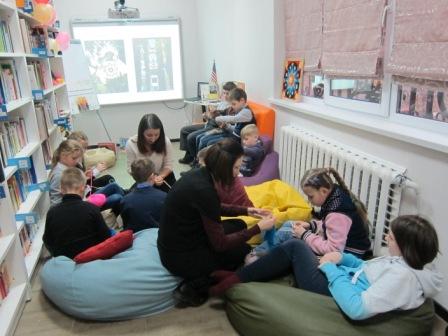 слушать музику для дітей весела